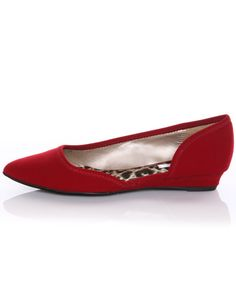 Pointy red flats!