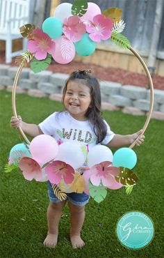 tropical birthday photo prop hoop frame, paper flowers Welcome everyone! I just celebrated my youngest daughter's birthday, and I really enjoyed creating this theme for my baby girl! (Note: This post may contain affiliate links. I make a smal… 2nd Birthday Party For Girl, Luau Birthday, Unicorn Birthday Parties, Card Birthday, Birthday Ideas, Birthday Greetings, Happy Birthday, Daughter Birthday, Flower Birthday