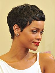 Rihanna looks so cute. Yeah, I'm definitely going for a shorter, closer to my scalp look. Oval Face Haircuts, Short Curly Haircuts, Curly Hair Cuts, Short Hair Cuts, Curly Hair Styles, Natural Hair Styles, Pixie Styles, Rihanna Hairstyles, Dope Hairstyles