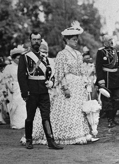 Tsar Nicholas ll of Russia with Empress Alexandra Feodorovna of Russia A♥W