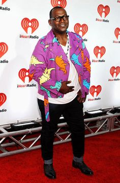 """""""Don't let the dinosaur jacket take away from the fact that Randy is trying … – fashion fail Fashion Fail, Mens Fashion, Randy Jackson, Hollywood Men, Grown Man, Celebs, Celebrities, Celebrity Style, Menswear"""