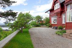 FINN – SOLVEIEN-Sjeldent vakker og herskapelig eiendom m/panoramautsikt over by og fjord-Unik Sveitservilla-2,7 mål-Solrikt