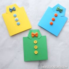 SHIRT CARD for Father's Day An easy DIY Father's Day card anyone can make with paper! A step-by-step tutorial which shows you how to make a handmade Father's Day shirt card. Kids Crafts, Kids Fathers Day Crafts, Toddler Crafts, Preschool Crafts, Diy And Crafts, Card Crafts, Fathers Day Art, Stick Crafts, Fathers Day Shirts