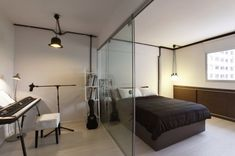 13 SMALL Homes so beautiful you won't believe they're HDB flats Studio Apartments, Modern Studio Apartment Ideas, Tiny Apartments, Studio Apt, Contemporary Apartment, Bedroom Wall, Master Bedroom, Bedroom Ideas, White Brick Walls