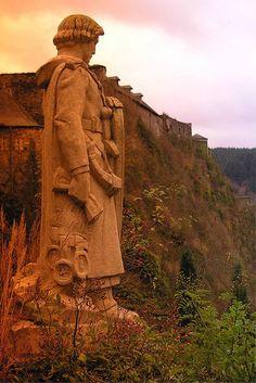 Statue of Godefroid de Bouillon looking towards Bouillon Castle, Belgium