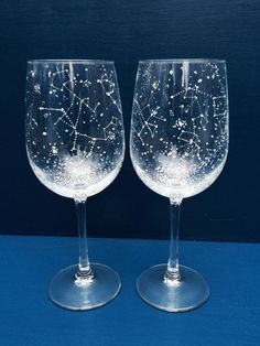 Set of 2 CLASSIC Handpainted Constellation Wine Glasses These beautiful glasses can be enjoyed with any drink, not just wine. If you would like to request specific constellations just visit the listing below! Stemless Wine Glasses, Painted Wine Glasses, Champagne Glasses, Starry Night Wedding, Starry Night Sky, Starry Eyed, Just Wine, Celestial Wedding, Star Constellations