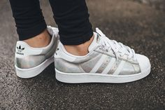 adidas superstar with glitter metallic silver