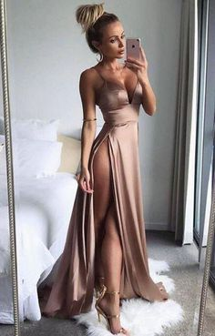 elegant prom party dresses, chic fashion formal gowns, sexy evening dresses.