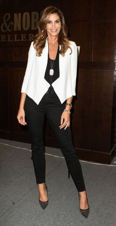 Cindy Crawford in her High-Rise Maria Skinny in Seriously Black. J Brand Jeans, Cindy Crawford, Cropped Skinny Jeans, Pants Outfit, Super Skinny, Black Pants, Street Style, Chic, My Style