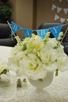 Baby Banner in flowers - beautiful for a baby shower!