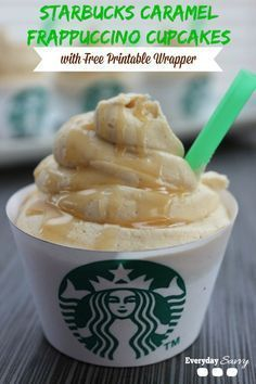 Starbucks Caramel Frappuccino Cupcakes - Looking for a fun and yummy coffee cupcake recipe? Then check out these Starbucks Caramel Frappuccino Cupcakes. They are easy to make with  a boxed cake mix and Starbucks Via Coffee.  Plus they include a FREE print
