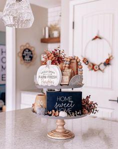 Elegant Fall Decor, Modern Fall Decor, Rustic Fall Decor, Fall Kitchen Decor, Fall Home Decor, Autumn Home, Fall Vignettes, Tray Decor, Seasonal Decor