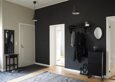 Annie Sloan Wall Paint | Kokemuksia käytöstä | Heidi Risku - Last August I tested Annie Sloan Wall Paint for the first time. Now, after a half year, I will tell you how it has worked on our hallway wall. // Testasin elokuussa ensimmäistä kertaa Annie Sloanin Wall Paint -maalia. Nyt reilun puolen vuoden kokemuksella kerron teille, miten maali toiminut eteisen seinässä. Annie Sloan, Wall, Blog, Painting, Furniture, Home Decor, Decoration Home, Room Decor, Painting Art