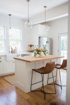 dream kitchen island + pendants