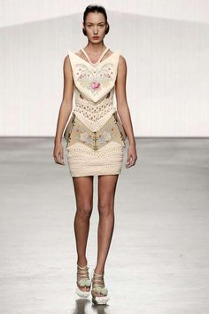 Formalistic Framed Fashion - The Winde Rienstra S/S 2013 Collection is Structurally Vogue (GALLERY)