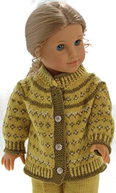 Knitting patterns for american girl doll clothes - This outfit looks fabulous with a green scarf American Girl Clothes, Girl Doll Clothes, Girl Dolls, Knitted Doll Patterns, Knitted Dolls, Knitting Patterns, Knitting Dolls Clothes, Doll Clothes Patterns, Knitting Baby Girl