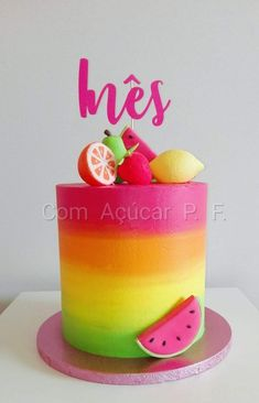 Best Screen fruit cake fondant Tips - yummy cake recipes Watermelon Cake, Watermelon Birthday, Fondant Tips, Fondant Cakes, Fruit Birthday Cake, Bright Birthday Cakes, 2nd Birthday, Tutti Fruity Party, Chocolate Hazelnut Cake