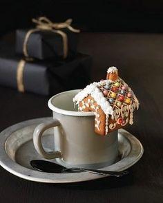 Enkel retrokake med vaniljekrem - Krem.no Tea Cups, Food And Drink, Dessert, Baking, Tableware, Cakes, Dinnerware, Cake Makers, Deserts