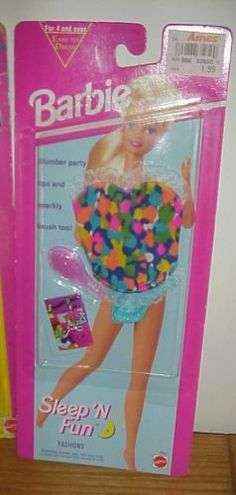 Lot-of-3-Different-Barbie-Fashion-Fever-Fashions-New-on-cards-FREE-SHIP