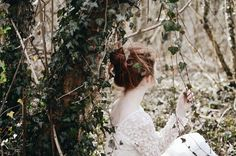 Nature portrait shoot in ivy Redhead Fairytale shoot