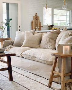 Rustic Home Design, Home Design Decor, Home Interior Design, Diy Home Decor, House Design, Living Room White, Cozy Living, Home Living Room, Living Spaces