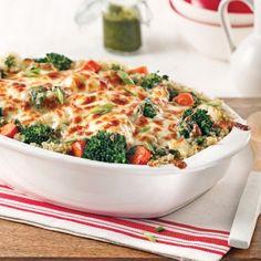 Casserole quinoa et pesto. Healthy Dessert Recipes, Vegetarian Recipes, Easy Recipes, Vegan Recepies, Confort Food, One Pot Meals, Food Design, Design Ideas, Pesto
