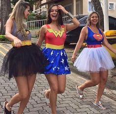 Looking for BBF Halloween Costumes? Well here is a round up of the most unique Group Halloween Costumes for your Girl Squad which I bet you are gonna love. Cute Group Halloween Costumes, Cute Costumes, Super Hero Costumes, Halloween Kostüm, Costumes For Women, Group Of 3 Costumes, Women Halloween, Halloween Costumes Three People, Cute Best Friend Costumes