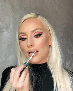 Makeup Salon, Glam Makeup, Makeup Inspo, No Eyeliner Makeup, Makeup Eyes, Hair Makeup, Mini Makeup, Makeup Looks, Makeup Brands