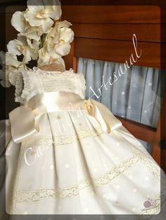 CANASTILLA ARTESANAL Baby Baptism, Baptism Dress, Christening Gowns, Baby Clothes Patterns, Clothing Patterns, Heirloom Sewing, Girl Doll Clothes, Rococo, Baby Sewing