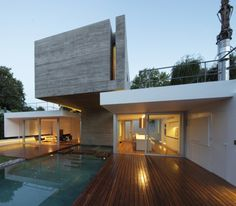 Residential Architecture: Bunker House by Estudio Botteri-Connell