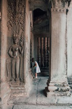 Siem Reap, Cambodia is an incredible city with rich culture, ancient beauty, and vibrant nightlife. Explore this diverse three day itinerary! New York Travel, Us Travel, Portrait Photography, Travel Photography, Landscape Photography, Wedding Photography, Koh Ker, Cambodia Beaches, Tonle Sap