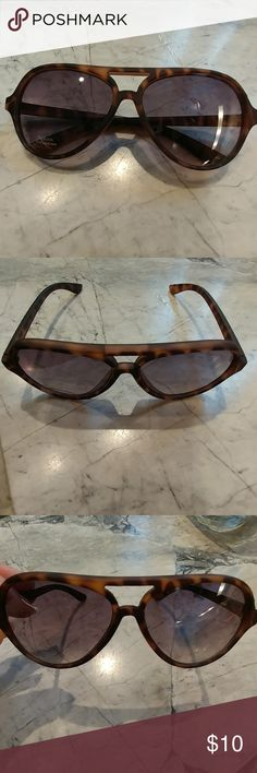 Kids sunglasses Super adorable kids sunglasses  Fit toddler  Brown tortoise shell coloring  Would be super cute bundled with my listing the linen shorts or the bathing suit Accessories Sunglasses