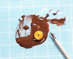【100均粘土で作るミニチュアフード】4種のリングドーナツの作り方 | 豆のミニチュアフードブログ Caramel Apples, Desserts, Food, Tailgate Desserts, Deserts, Essen, Postres, Meals, Dessert