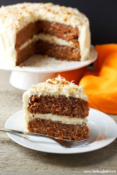 Carrot Cake with Cream Cheese Frosting is simple and delicious. This homemade carrot cake recipe that anyone can make and everyone will love! Homemade Carrot Cake, Homemade Desserts, Easy Cake Recipes, Baking Recipes, Carrot Cakes, Homemade Breads, Cake With Cream Cheese, Cream Cheese Frosting, Salty Cake