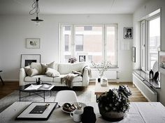 Neutral living room inspired by scandinavian interior design.