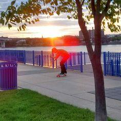Instagram #skateboarding photo by @jessauder - #skateboarding @ #sunset.. look at that all natural #sunflare. Support your local skate shop: SkateboardCity.co