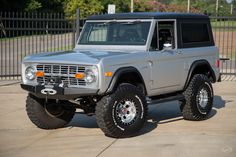 One of the hottest vehicles on the market today is the early Ford Bronco. And for good reason! This beautiful silver and black truck is a great example of. Old Ford Bronco, Bronco Truck, Jeep Truck, Early Bronco, Old Ford Trucks, Old Pickup Trucks, Ford 4x4, Classic Bronco, Classic Ford Broncos