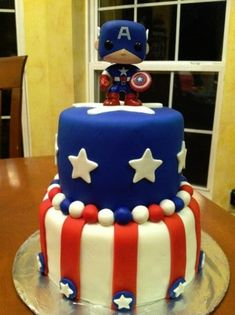 Captain America cake would love this for my birthday Pastel Marvel, Pastel Avengers, Captain America Birthday Cake, Captain America Party, Captain America Cupcakes, Avengers Birthday, Superhero Birthday Party, 5th Birthday, Marvel Birthday Cake