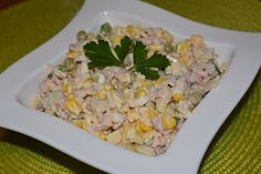 Sałatka serowa z szynką i pieczarkami Grains, Rice, Salad, Food, Essen, Salads, Meals, Seeds, Lettuce
