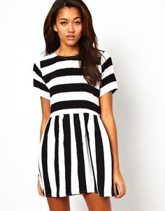 Motel Penny SMock dress with Bold Stripe 6068 bij Asoscom