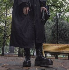 Aesthetic Photo, Aesthetic Pictures, Aesthetic Clothes, Estilo Dark, Mode Sombre, Mode Grunge, Look Cool, Karl Lagerfeld, Cyberpunk