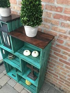 Smaller Rustic Farmhouse Crate Bookshelf - You are in the right place about diy decor Here we offer you the most beautiful pictures about the - Diy Wood Projects, Furniture Projects, Furniture Makeover, Diy Furniture, Wooden Crate Furniture, Rustic Farmhouse Furniture, Furniture Outlet, Discount Furniture, Crate Bookshelf