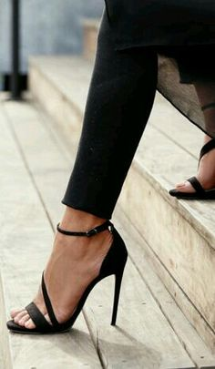 high heels – High Heels Daily Heels, stilettos and women's Shoes Pretty Shoes, Beautiful Shoes, Cute Shoes, Me Too Shoes, Ankle Strap High Heels, Black High Heels, Ankle Straps, Black Sandals, Heeled Sandals