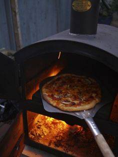 Meet Bertha from wood fired outdoor oven from the Garden Oven Company Wood Oven, Wood Fired Oven, Wood Fired Pizza, Pizza Oven Outdoor, Outdoor Cooking, Custom Bbq Smokers, Barbecue, Oven Diy, Bbq Steak