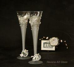 Vetri tostatura flauti Champagne vetri bianchi di NevenaArtGlass