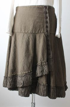 Such a cute wrap skirt, on could easily make a wrap skirt and add a bunch of buttons