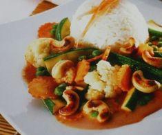 Thailändisches Gemüsecurry mit Reis