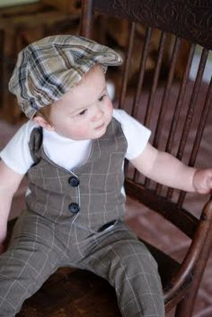 Just in case I have a (kinda) nephew: Little Gentleman's Faux Vest Onesie Little Boy Outfits, Baby Boy Outfits, Kids Outfits, Baby Sewing Projects, Sewing For Kids, Cute Baby Clothes, Diy Clothes, Party Clothes, Baby Boy Fashion