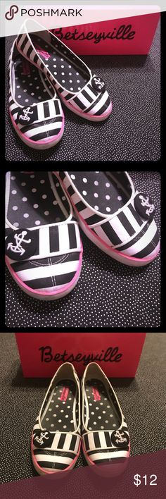 Betseyville B&W Stripe Nautical Canvas Flats- SZ 7 Betseyville by Betsey Johnson B&W Stripe Canvas Sneaker-Style Flats w/ Hot Pink Trim & Nautical Accent Button - Size 7 - Comes w/ Box - Used Condition!  These sneaker flats are super cute & comfy while adding a stylish kick to any outfit!  Great for teens going back to school this fall!  These are used and show some discoloration/scuffing. It may even come off with soap, but I haven't tried (see photos for these spots), otherwise these shoes…