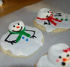 Adorable melting snowmen! Marshmallows for the head, drop runny royal icing over a sugar cookie and decorate!